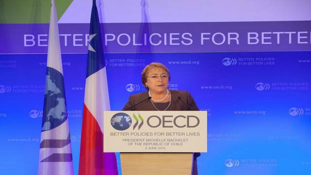 Michelle Bachelette viista la OCDE