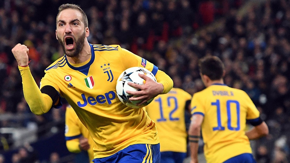Higuaín, autor del gol agónico de la Juventus (foto archivo)