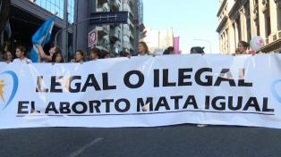 """Manifestantes """"pro vida"""" se convocaron contra la despenalización del aborto"""