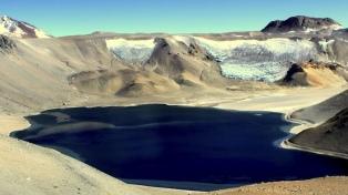 Subir al cráter Corona del Inca, la excursión convencional más alta de la Argentina