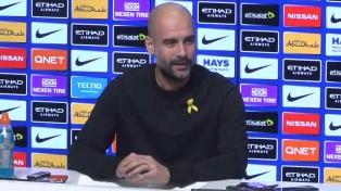 Guardiola multado por lucir un lazo amarillo como gesto político