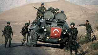 Turquía continúa su avance sobre el kurdistán sirio