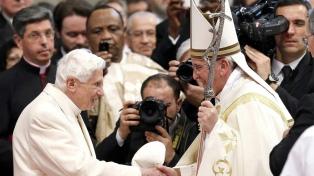"""Benedicto XVI aseguró una """"continuidad"""" entre su pontificado y el de Francisco"""