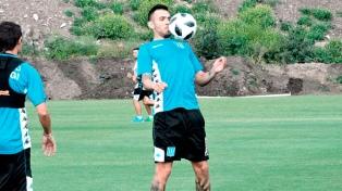 Nery Domínguez entrenó en forma diferenciada pero jugará el domingo
