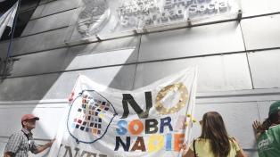 Trabajadores del INTI se movilizaron por la reincorporación de 258 despedidos