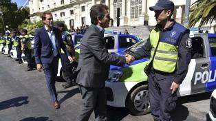 Ritondo entregó 30 nuevos móviles y sumó 200 efectivos policiales