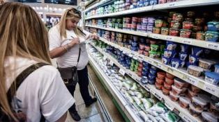La ventas cayeron 4,2% en los supermercados y 2,6% en los shoppings en agosto