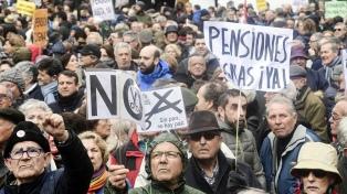 Masivas protestas en demanda de un aumento de las jubilaciones