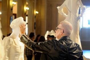 Gaultier inauguró en el CCK su muestra por el amor en la diversidad