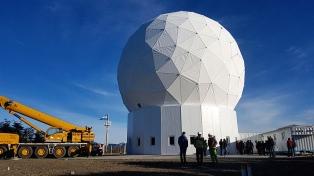 La Conae y funcionarios fueguinos recorrieron la estación de monitoreo de satélites