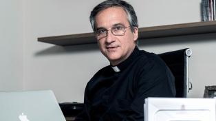 """Por el escándalo del """"lettera-gate"""", renunció el ministro de Comunicaciones"""