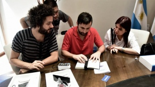 Desarrollan un dispositivo para escanear textos para personas con disminución visual