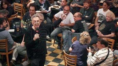 Qu carajo hicieron con el rock argentino se pregunt for Espectaculo historia del rock