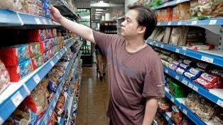 Supermercados chinos se comprometen a comercializar yerba mate a bajo precio