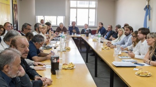 """La ministra de Educación porteña destacó como """"superadora"""" la oferta de 15% a los docentes"""