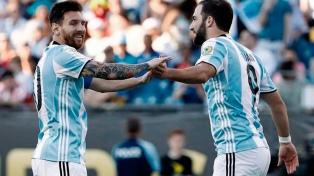 """La """"Albiceleste"""", que aguarda por Messi, continúa fuera del top 10"""