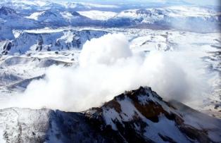 El volcán Copahue sigue en alerta amarilla