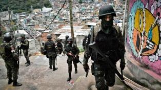 Un jefe policial antidrogas murió baleado en un operativo en una favela de Río de Janeiro
