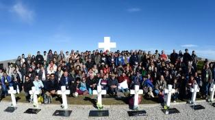 Homenaje en Diputados a familiares de soldados de Malvinas, al EAAF y al CICR