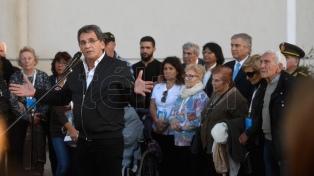 Homenaje final en Ezeiza a los familiares de los soldados caídos que viajaron a Malvinas