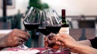 La provincia celebra el comienzo del vino nuevo en la Fiesta de la Flor de la Vid