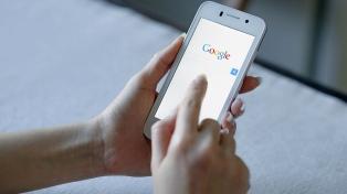 Lanzan una app para que padres monitoreen a distancia los celulares de sus hijos