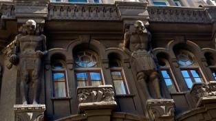 Realizan audiencia pública para proteger de demoliciones a edificios históricos