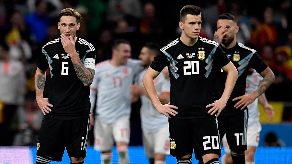 Argentina no levanta cabeza y cae 4 a 1 — Amistoso con España