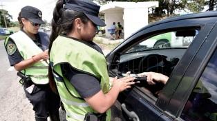 Más de 5000 policías bonaerenses ya controlan rutas y puntos turísticos por el fin de semana largo