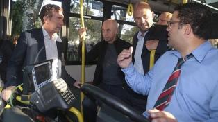 Incorporan cámaras de seguridad a 16 líneas de colectivos del área metropolitana