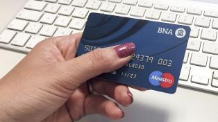 Todos los comercios y profesionales deberán aceptar pagos con débito