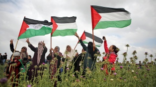 """Los palestinos claman """"venganza"""" tras la matanza en la protesta contra Israel"""