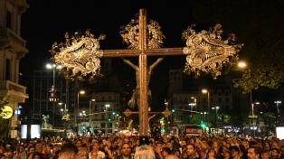 El arzobispo Mario Poli presidió el Via Crucis por Avenida de Mayo