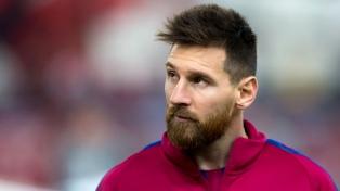Messi llegó a Rosario en su avión privado para pasar las fiestas con su familia