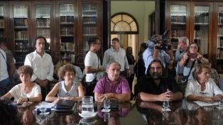 El gobierno y los docentes vuelven a reunirse para discutir salarios