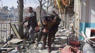 Dos ataques dejan decenas de muertos y amenazan los comicios legislativos