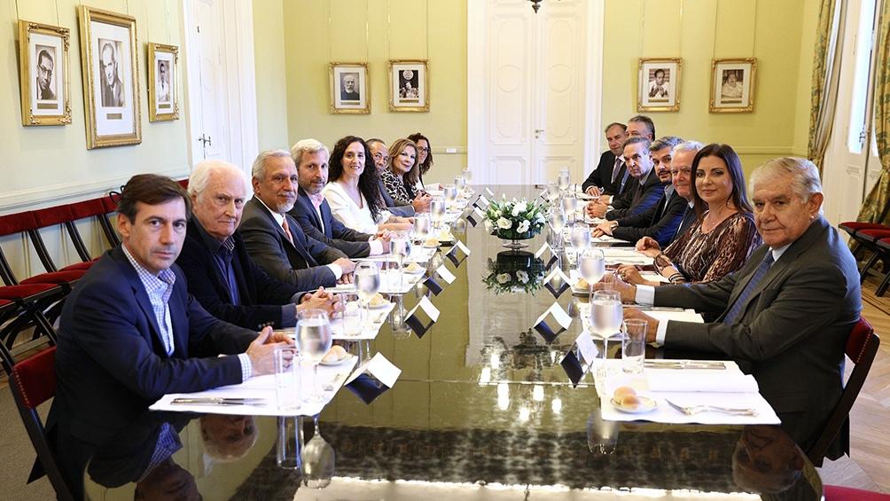 Marcos Peña almuerza con senadores en la Casa Rosada