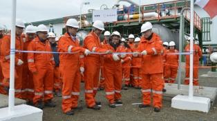 YPF y la Empresa Nacional del Petróleo de Chile inauguraron un complejo hidrocarburífero off shore