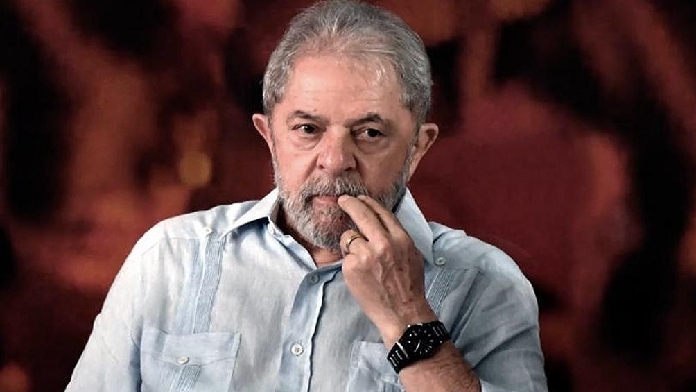 A pesar del bloqueo, Lula se entregó a la policía