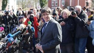 Independentistas reclaman que Puigdemont asuma como eurodiputado