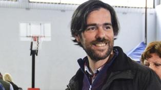 """Del Caño pide que la CGT llame a un paro para """"frenar el golpe de mercado"""""""