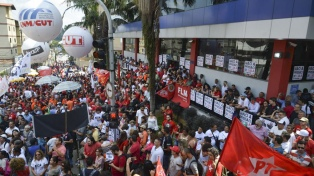 Vencido el plazo fijado por el juez Moro, los abogados de Lula negocian la detención