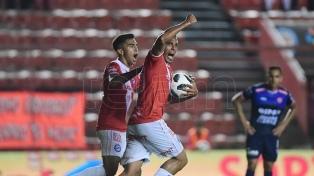 Argentinos no pudo con Lanús y quedó lejos de la clasificación a la Libertadores
