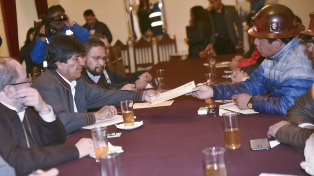 Evo Morales recibió a la Central Obrera que le reclamó un aumento salarial