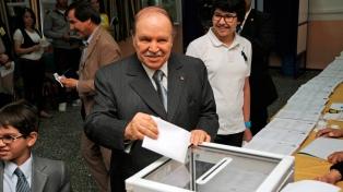 Protestas tras ratificarse la candidatura de Bouteflika a la reelección