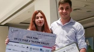 Dos estudiantes desarrollan un dispositivo que lee ondas cerebrales y alerta a conductores