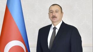 Alíev fue reelegido presidente por amplio margen