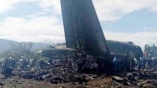 Un avión militar se estrelló y murieron sus 257 pasajeros
