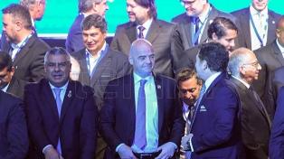 Conmebol le pidió a Infantino adelantar el Mundial de 48 equipos