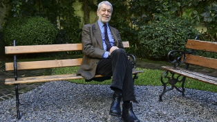 """Luigi Zoja: """"Estamos frente a una descomposición de la figura paterna"""""""